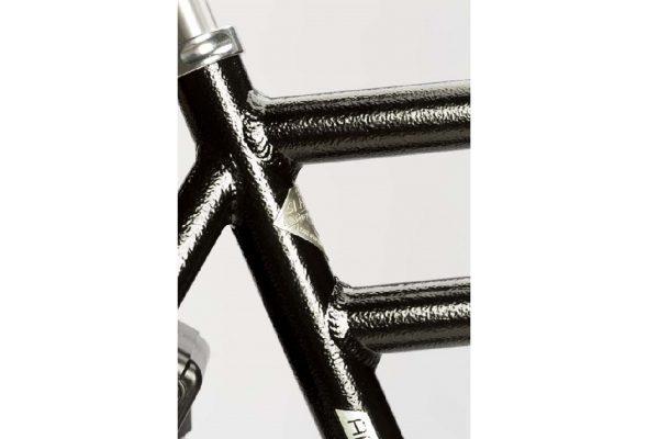 Black Hammered Detail