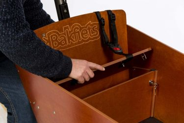 Storage compartment under bench - Wood - Amsterdam Bicycle Company