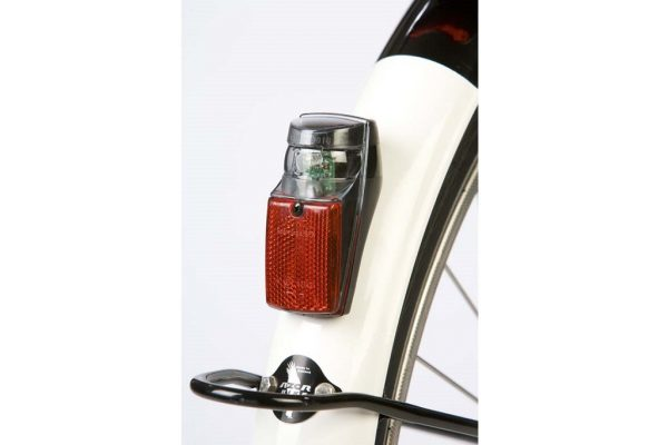 Tail light on black fender connected to dynamo hub